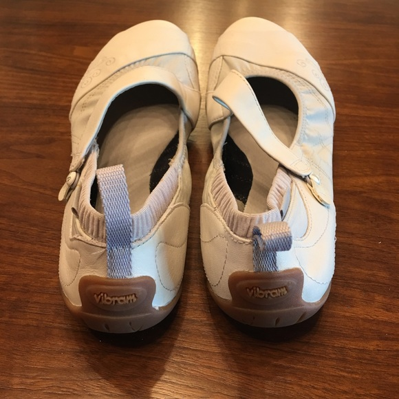 Merrell Barefoot Inde Lave Mary Jane